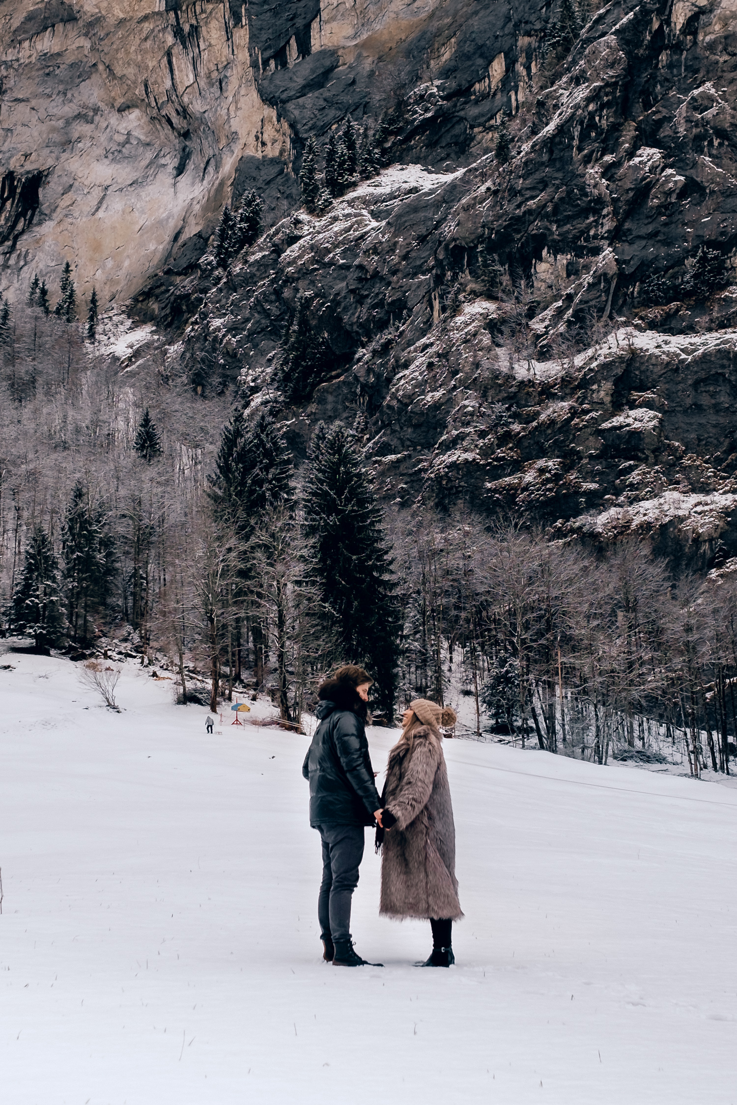 partimetravelers travel bloggers blog travel switzerland photography winter video ber interlaken lauternbrunen grindwald berno fashion